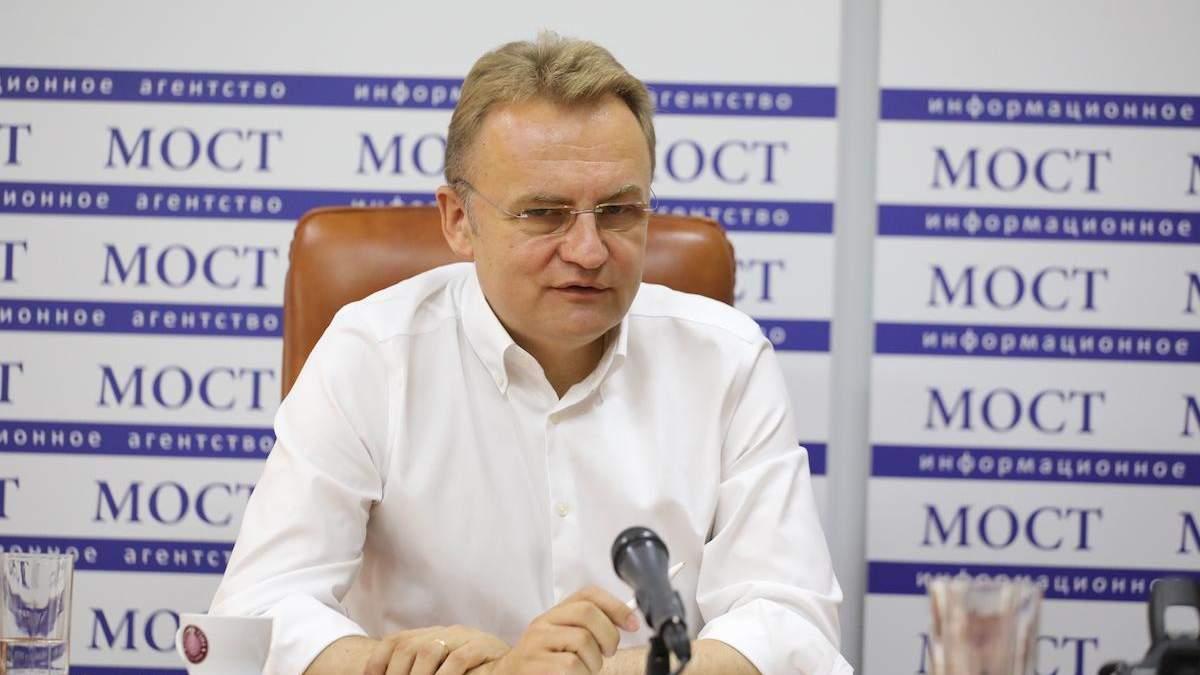 Це може розірвати Україну, – Садовий про загрозу виборів на Донбасі