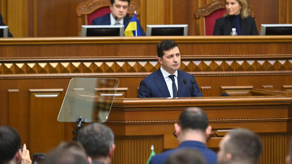 Зеленский отозвал из Рады два важных постановления – о местных выборах и о зарплатах чиновников