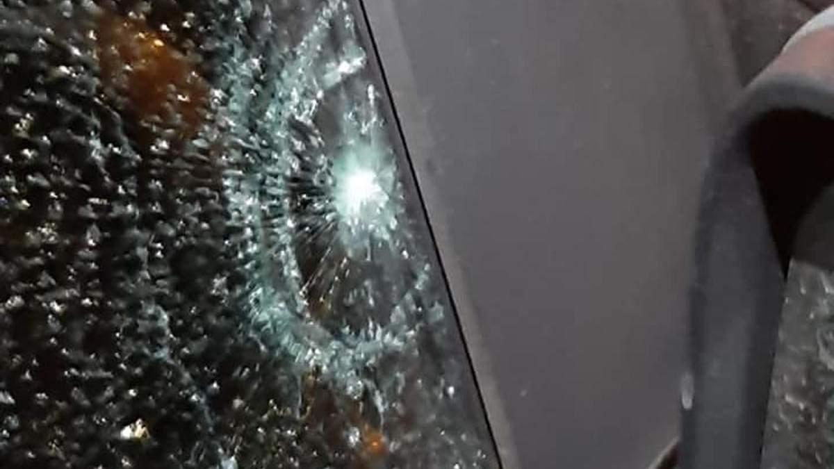 В Запорожье стреляли в машину кандидата в депутаты