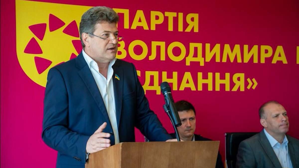 Кузница кадров Ахметова: что известно про мэра Запорожья Владимира Буряка