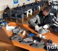 """Нарушения во время выборов: полицейские задержали киевлян за участие в избирательных """"каруселях"""""""