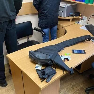 Люди у чорному намагалися заблокувати роботу виборчої комісії на Київщині