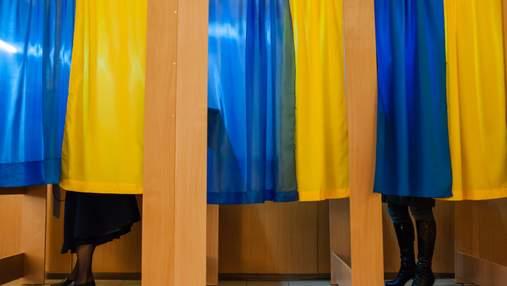 На Черкащині членкиню ДВК підозрюють у примушуванні виборців голосувати за свого сина