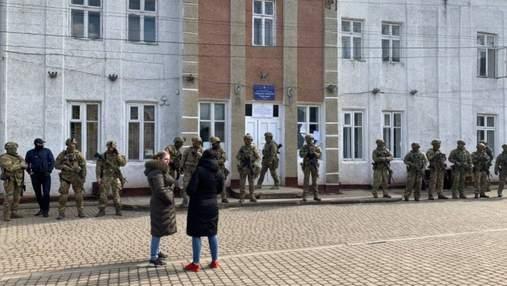 После скандальных выборов на Прикарпатье полиция открыла 17 уголовных дел