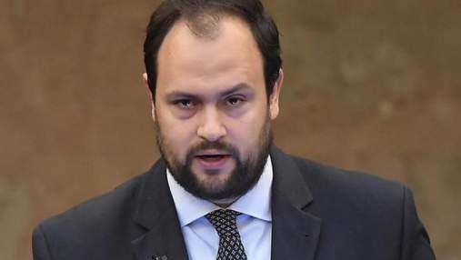 """Венгерского депутата с """"гуманитаркой"""" не впустили в Украину: в чем причина"""